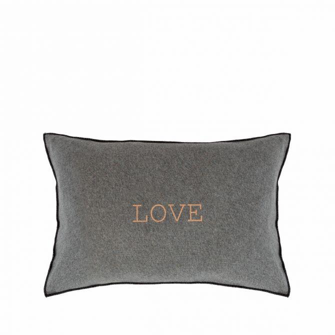 | House in Style - Love